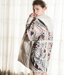 Siti легкий тонкий демисезонный пуховик-пальто с принтом на спине и меховыми вставками в стиле oversize
