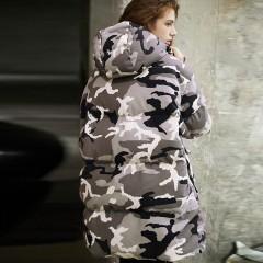пуховик серо-бежевый камуфляж свободный оверсайз  спортивный прямой с большими карманами и капюшоном SITI Selected