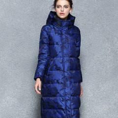 длинный прямой женский зимний пуховик милитари, капюшон с высокой стойкой горловиной, пуховое пальто синий и черный каму