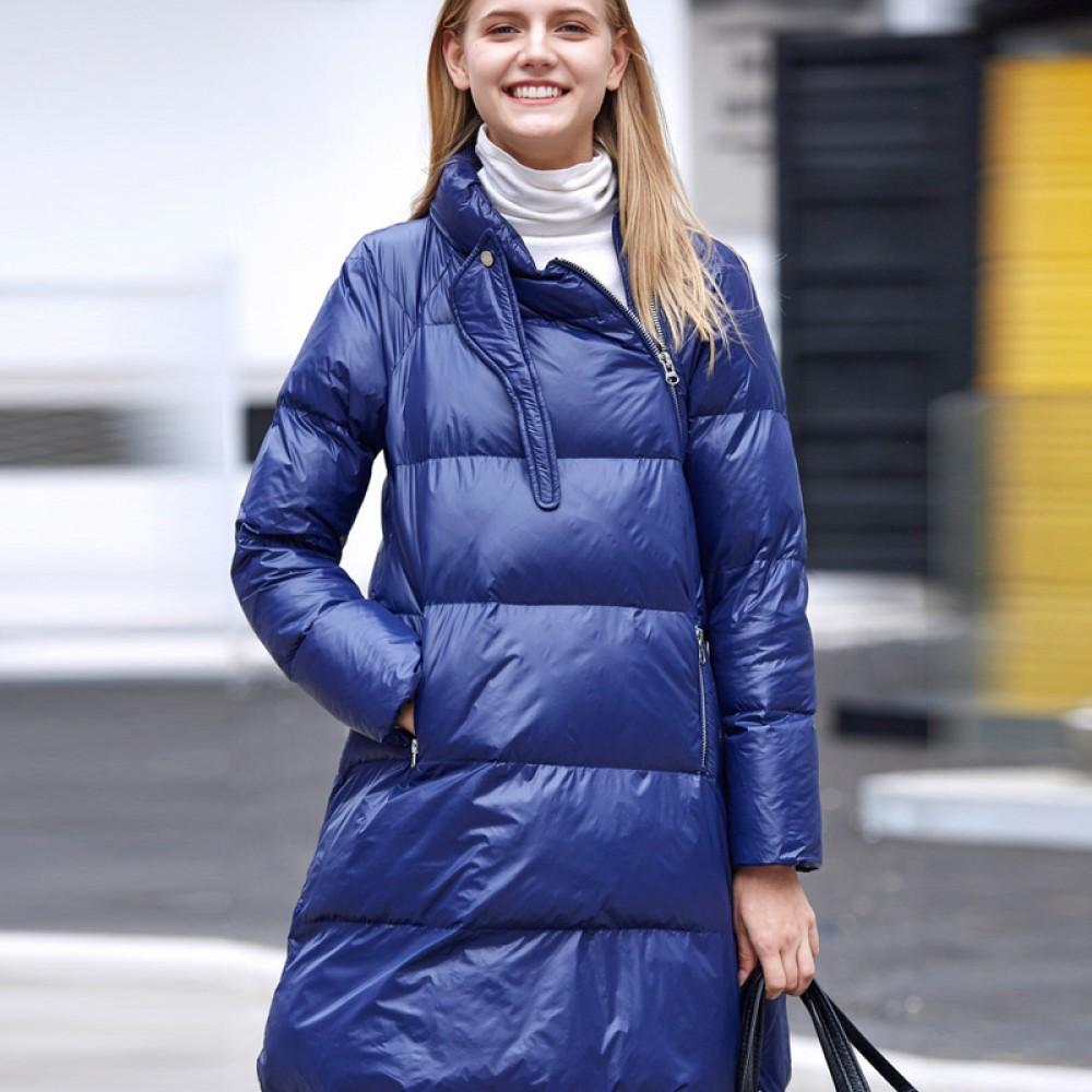 Amii элегантная синяя утепленная куртка на синтепоне с косой застежкой и оригинальным воротником на пряжке