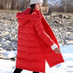 AMII красный пуховик зимний женский асимметричный низ с капюшоном и кнопками по бокам