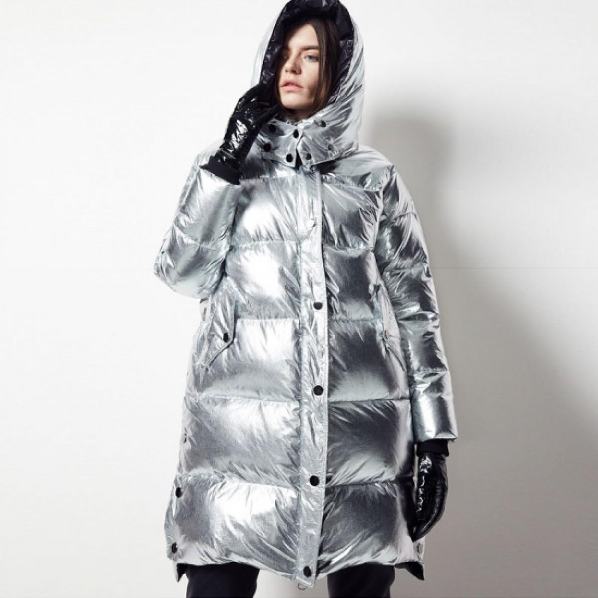 пуховик цвета металлик купить зимний женский блестящий серебристый с капюшоном худи FOLOVERA
