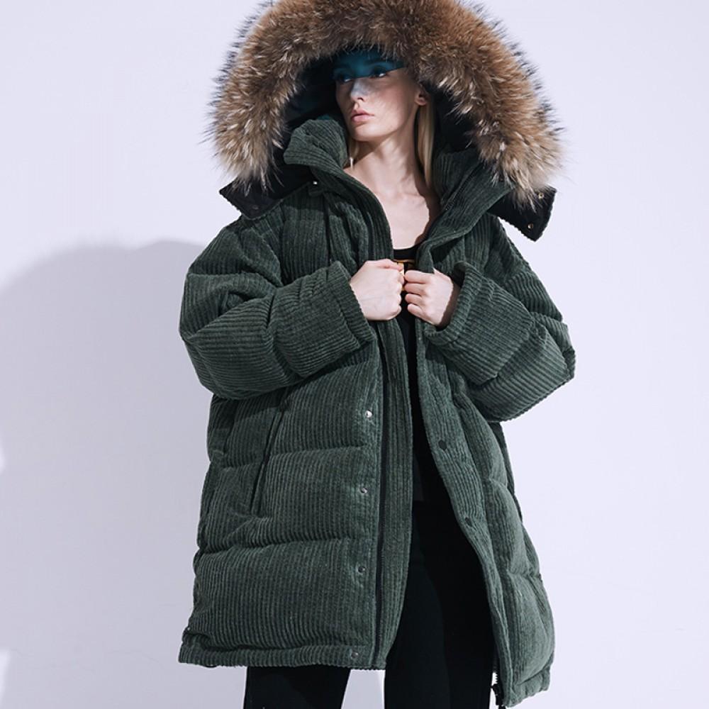 FOLOVERA женский зимний зеленый вельветовый пуховик гусиный пух теплый средней длины свободного кроя Oversize с меховой