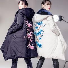 двухсторонний зимний женский пуховик, ассиметричный дизайн с вышивкой цветка сакуры на спине,бархатной отделкой,купить п